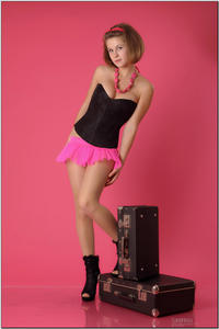 http://img138.imagevenue.com/loc193/th_254852945_tduid300163_sandrinya_model_pinkmini_teenmodeling_tv_045_122_193lo.jpg