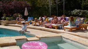 Sarah Hyland @ Modern Family s03e10 hdtv720p (USA/2011) [bikini top]
