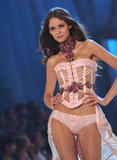 th_10317_fashiongallery_VSShow08_Show-441_122_392lo.jpg