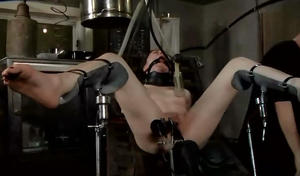 http://img138.imagevenue.com/loc407/th_402648811_tduid3219_Vacuum013torturemilkingmachine.avi_snapshot_34.41_2013.11.09_19.25.01_123_407lo.jpg